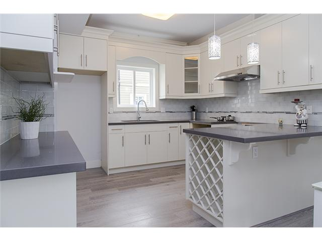 port coquitlam three bedroom townhomes kitchen Gallery