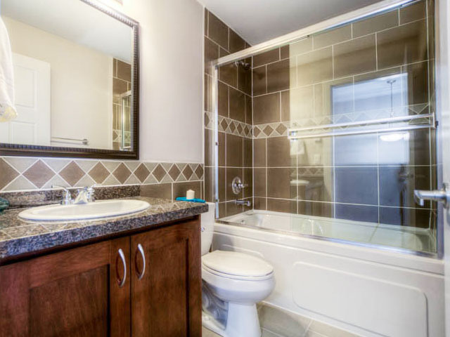 port moody three bedroom townhomes bathroom 2 Gallery